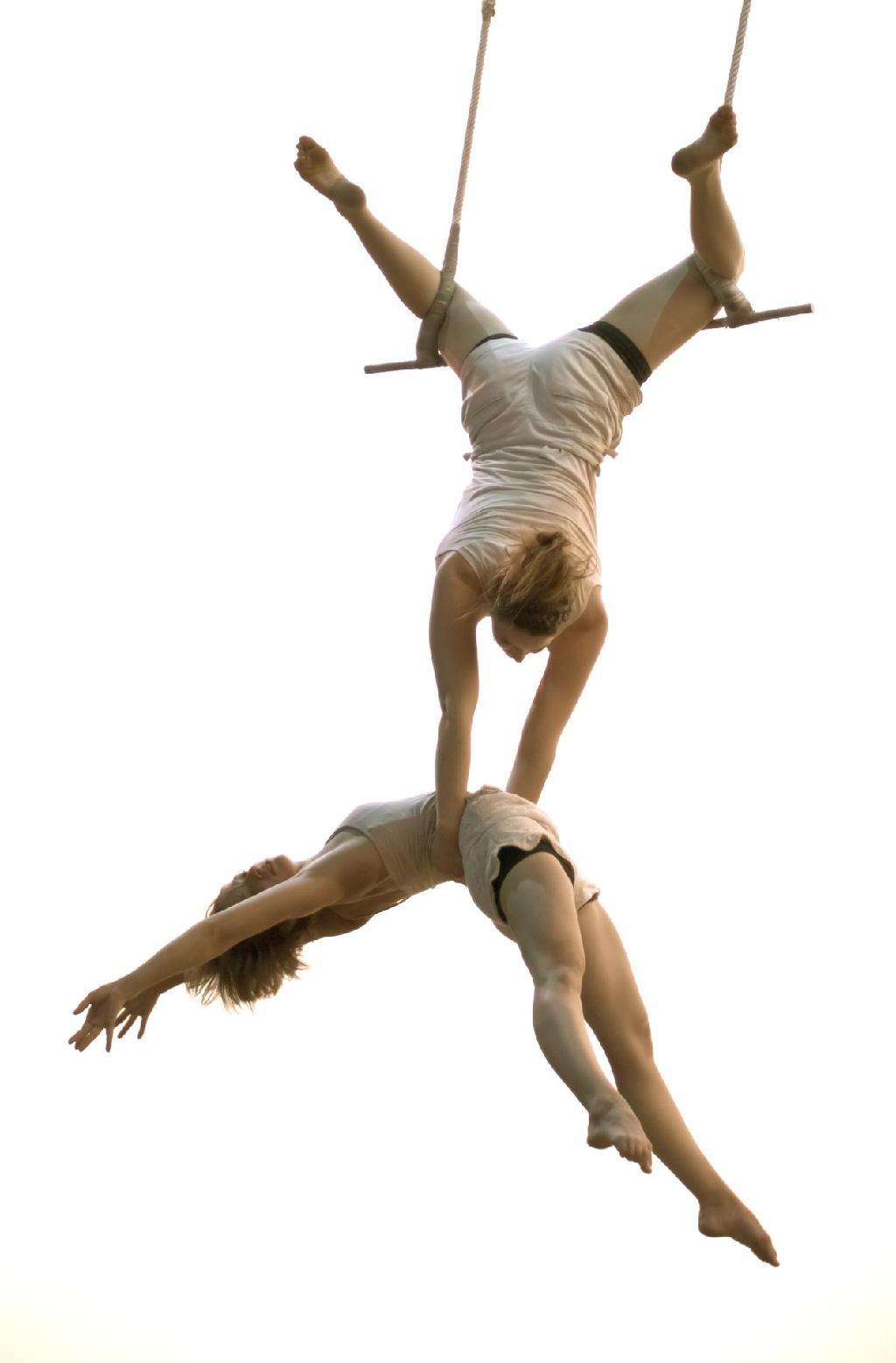 Evelyne & Shannon, Artistes de Cirque. © Norbi Witney