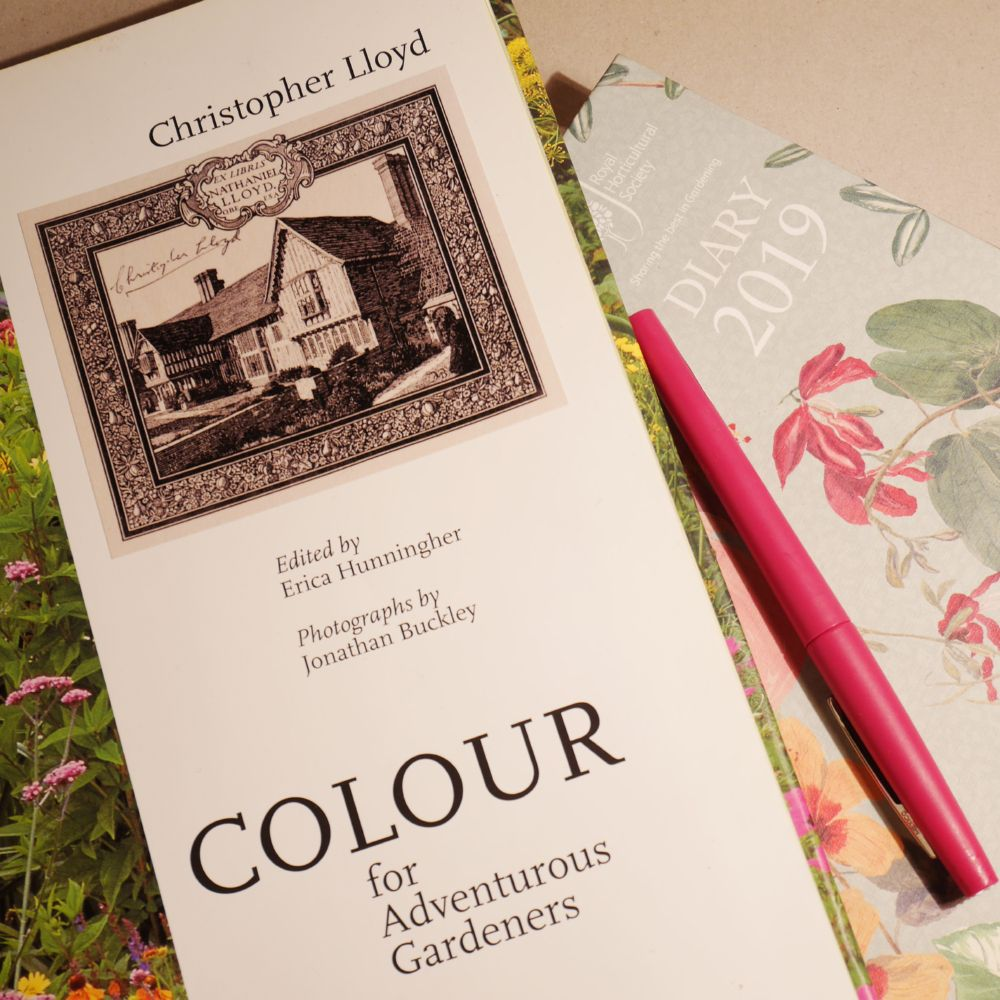 Christopher Llyod. Colour for adventurous gardeners. BBC. 2001